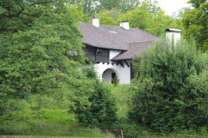 Можно ли хозяйственну постройку перевести в жилой дом